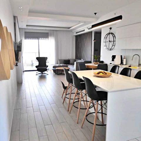 """עיצוב בדירה בנתניה """"עיר ימים"""""""
